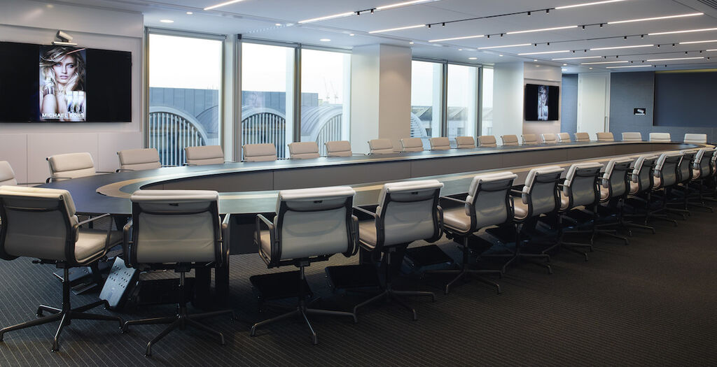 The Este 233 Lauder Companies London Hq Richlite Boardroom